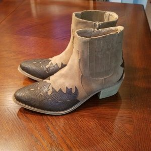 Coconuts by Matisse Roy Western Bootie size 9 NWOT